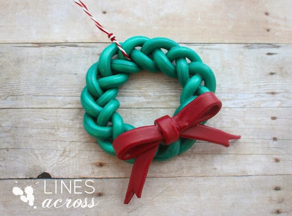 Festive Holiday Wreath 9