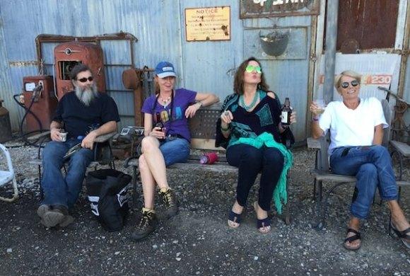 Bill Abel, Andrea Vlonk, Magical Madge, Becky Bobo Williams at Shack Up Inn