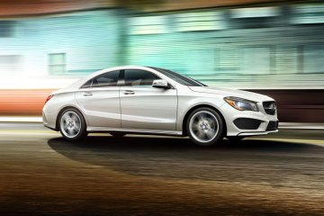 2014_Mercedes-Benz_CLA_2