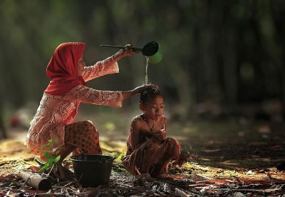 Everyday Lives Of Villagers In Indonesia Captured In ...