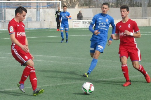 Lance del partido entre el CD.Ferriolense y el Real Zaragoza