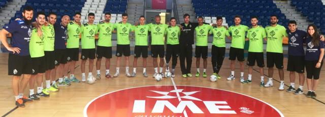 Plantilla del Palma Futsal posa en Son Moix