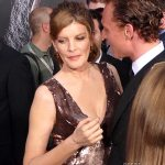 Rene-Russo-Tom-Hiddleston-Premiere-de-Thor (17)