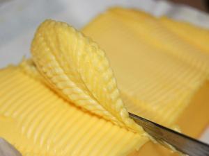 mantequilla-o-margarina-una-cuestion-salud-L-Y8eDPm