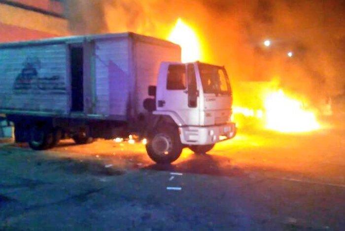camion del cval incendiado
