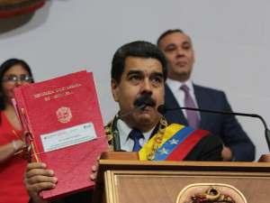 Maduro-entrega-ocho-leyes-ANC
