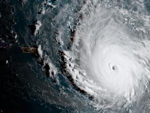 tragedias-periodismo-huracán-02