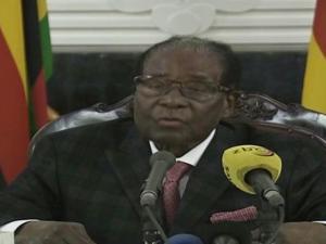 Mugabe no renuncia