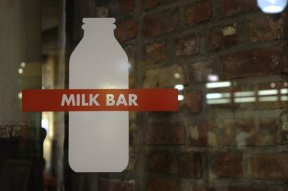 Este bar es la leche
