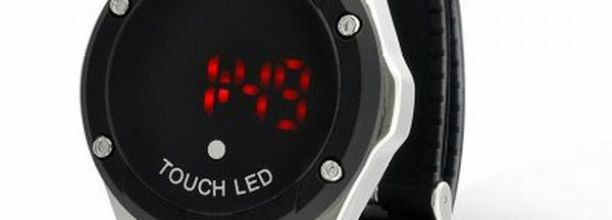 Touch_watch_with_metal_casing_vXAnT3Hw.jpg.thumb_400x400