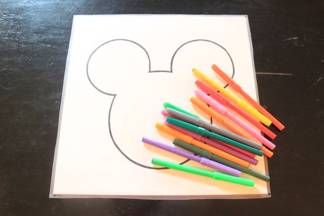 how to make a Mickey Mouse activity mat - Design Dazzle