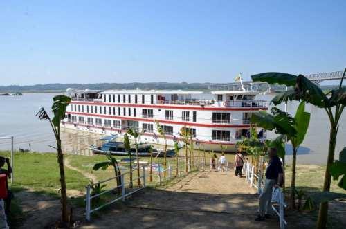 Belmont River Boat Cruise in Myanmar