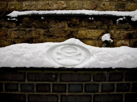 Snow Tagging by Crubs two