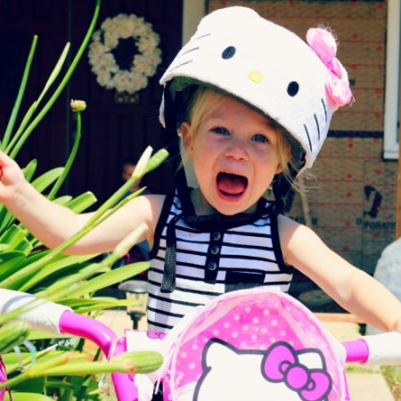 Hello-Kitty-Toddler-Bike