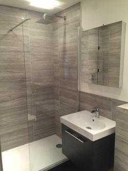 Small Of En Suite Bathroom
