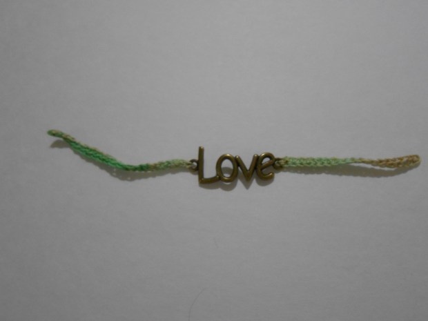 crochet love bracelet 7