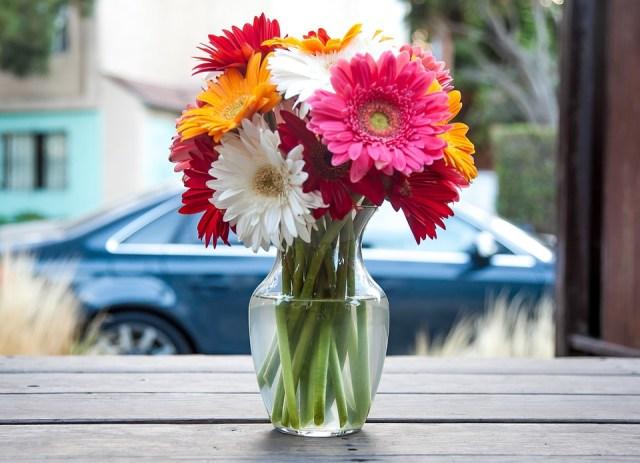 flower-vase-393423_960_720