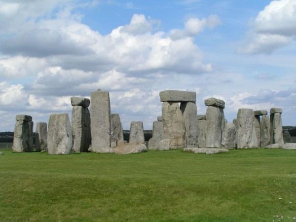Stonehenge-533x400