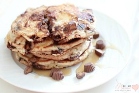REESE'S Peanut Butter Cups Minis and Banana Pancakes: A Sunday Family Tradition