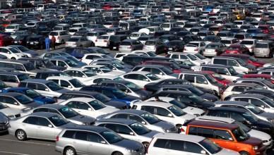 estacionamiento de autos usados