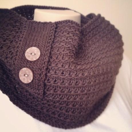 Knitting pattern: Chocolate Cowl
