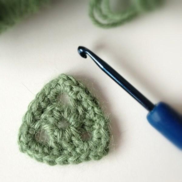 Crochet Motif Tiny Triangle