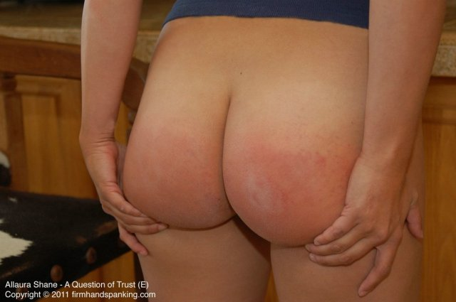 bare-bottom-paddling-spanked-from-dad-5