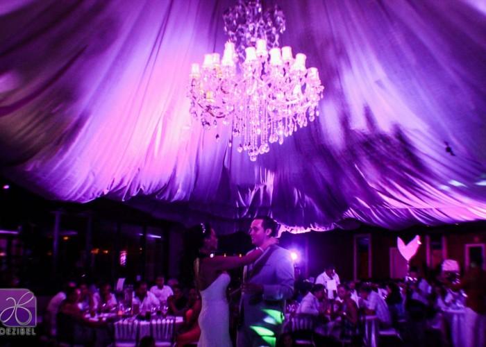 -looms-wedding-lighting-decor--8