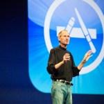 Steve_Jobs_on_stage
