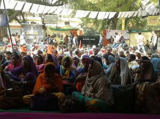 Chutka people protest in Delhi at Jantar Mantar, March 4, 2014