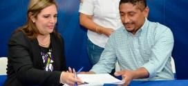 FISDL firma convenio para fortalecer la ejecución de programas sociales