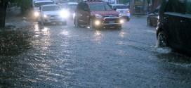 Intensa lluvia deja estragos en diferentes zonas de la capital
