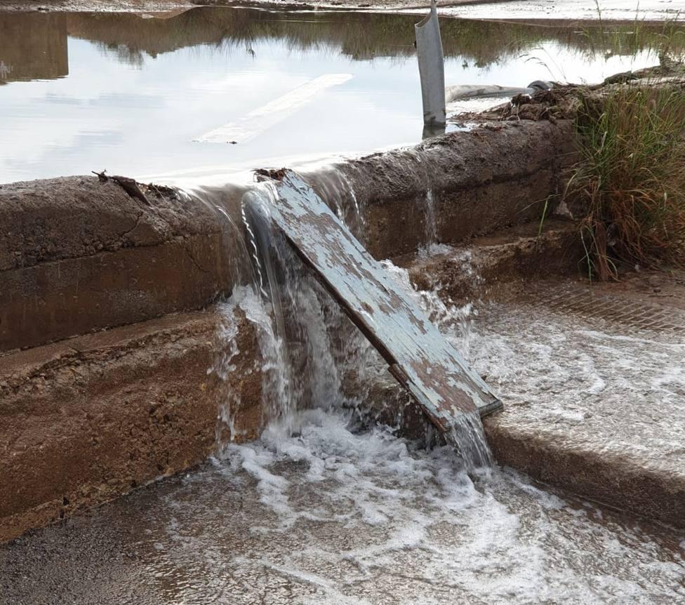 Podemos y MC denuncian la presencia de residuos fecales esparcidos por calles de Playa Honda