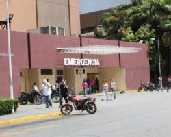 Abandonan el área de emergencia del Victorino