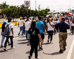 La oposición cumple dos semanas de activas protestas en todo los Altos Mirandinos.