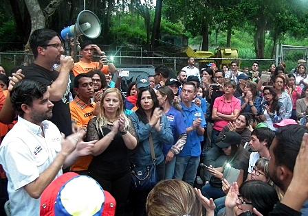 Oposición venezolana llama a plantón