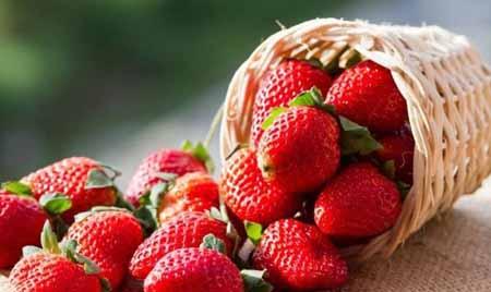 Compuesto natural que se halló en las fresas y en otras frutas, la  fisetina, ha resultado ser un aliado eficaz para prevenir la enfermedad de Alzheimer.