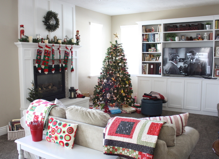 Christmas family room makeover