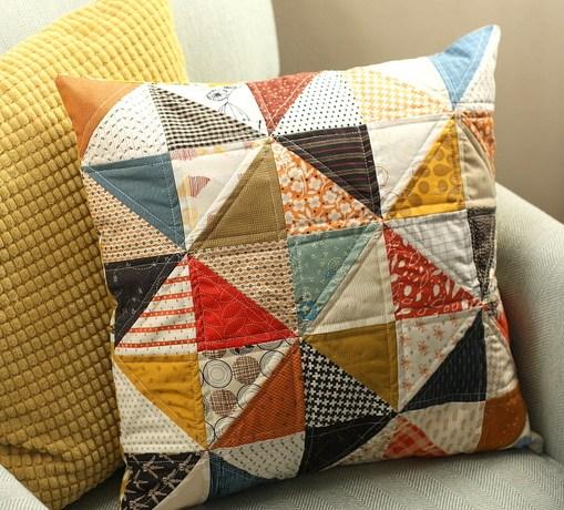 fall-quilt-throw-pillow