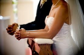 Buscar a benção de Deus na união matrimonial.