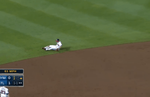 Andrelton Simmons amazing throw from knees