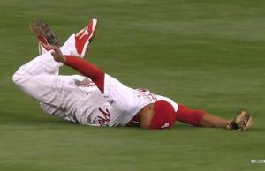 Ben Revere makes amazing catch, face plants