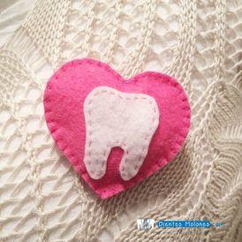 Broche-corazón-molar-rosa