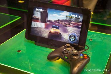 Razer Edge Pro con control de Xbox 360
