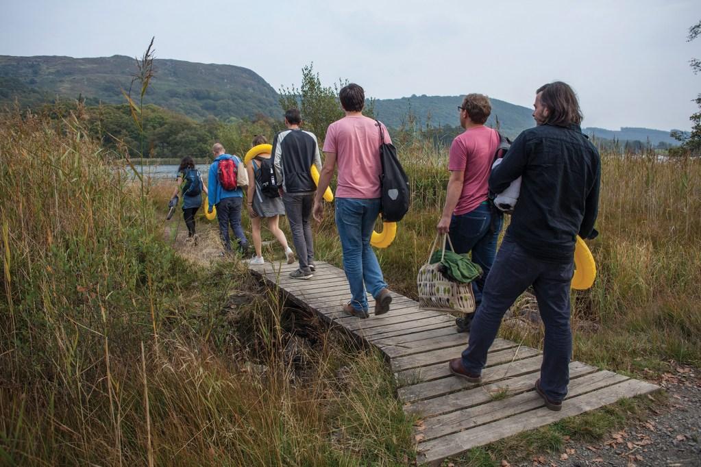 P46-lake-walk