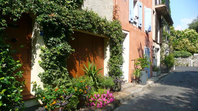 mouans-sartoux-street