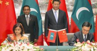 El presidente Xi Jinping, con el presidente de Maldivas. Fuente: Haaveru