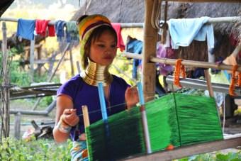 Donna Tribù Padaung Thailandia