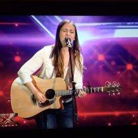 Veronica Marchi incanta i giudici e il pubblico di X-Factor