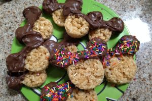 Mickey Rice Krispie Treats